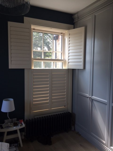 This shutter fits perfectly into this tight space, supplied and fitted by Adareshutters